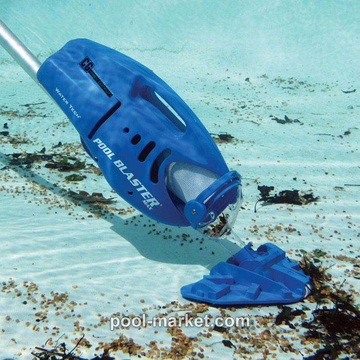 Пылесос для бассейна Pool Blaster MAX CG в действии