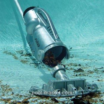 Пылесос для бассейна Pool Blaster PRO 900 в действии